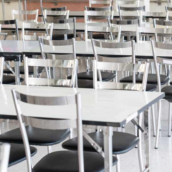 จัดซื้อโต๊ะเหล็ก เก้าอี้ 200 ชุด